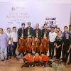 Mit mit Team (u.a. Wei Yang & Yimeng Xi) beim Fototermin nach dem Konzert (Foto: Archiv)